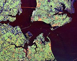 Hampton_roads_from_space